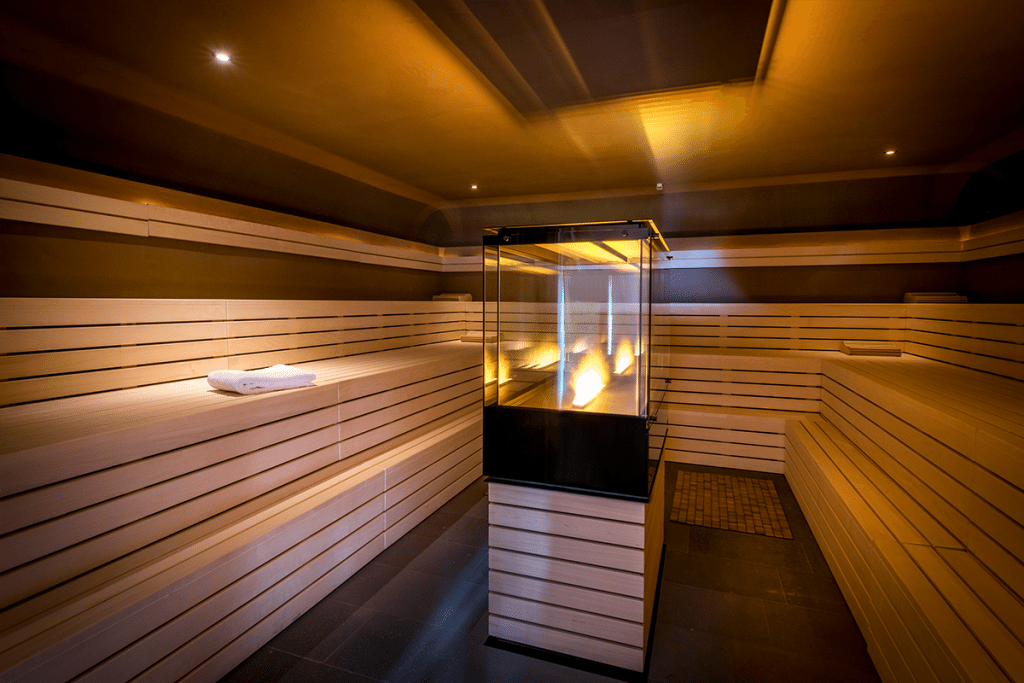 hotel spa seezeitlodge bostalsee saunadorf erdsauna 10.17