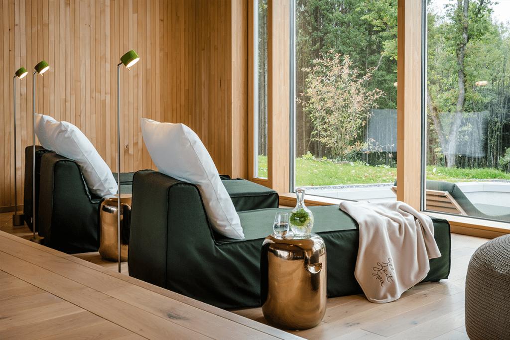 hotel spa seezeitlodge bostalsee spa keltische saunadorf ruhebereich liegen 10.17